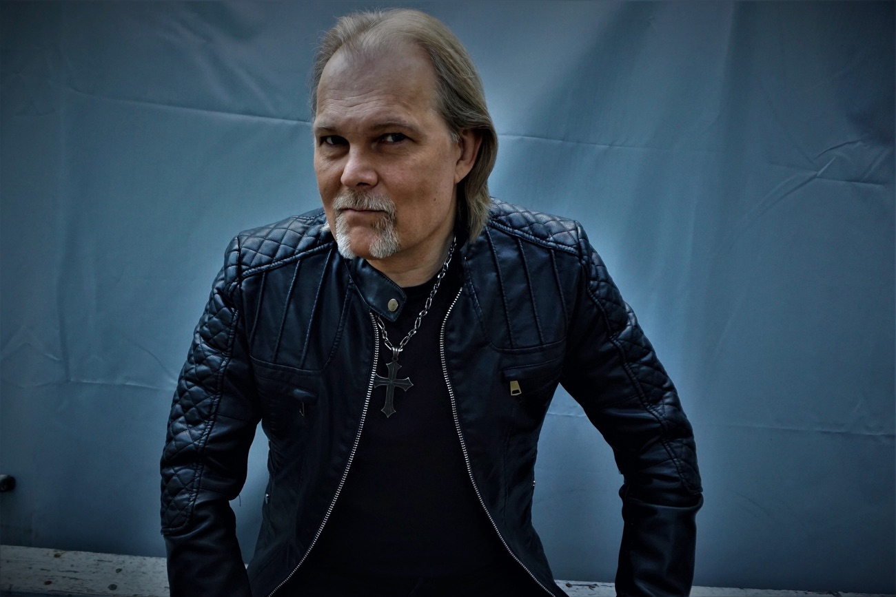 JORN – 'Lonely Nights' : first single from new album of classic rock covers by legendary Norwegian vocalist / album out 24.01.20 (Frontiers – Metal Planet Music